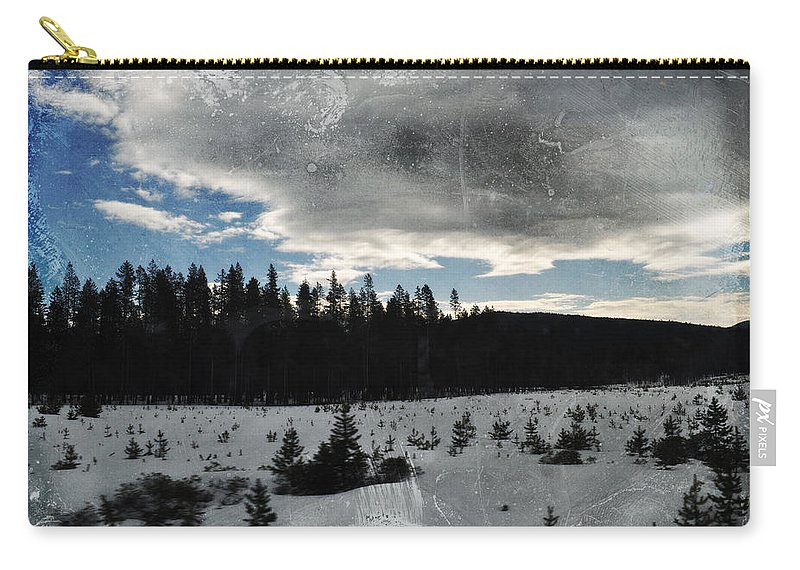 Oregon Carry-all Pouch featuring the photograph Klamath Falls Sunrise by Kyle Hanson