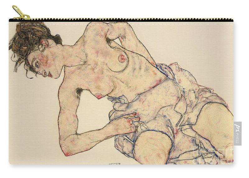 Kneider Weiblicher Halbakt Carry-all Pouch featuring the drawing Kneider weiblicher halbakt by Egon Schiele