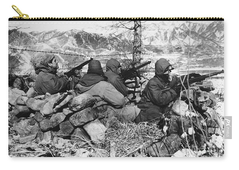 1950 Carry-all Pouch featuring the photograph Korean War: Soldiers by Granger