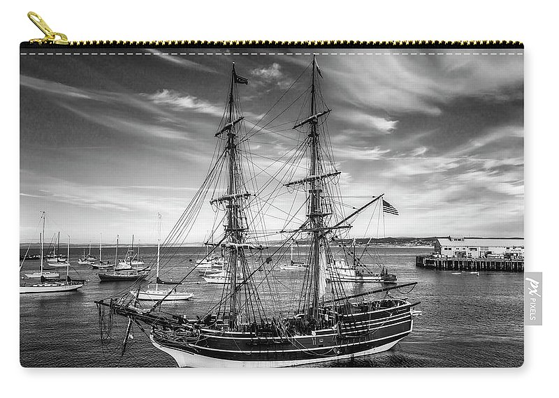 American Carry-all Pouch featuring the photograph Lady Washington In Black And White by Garry Gay