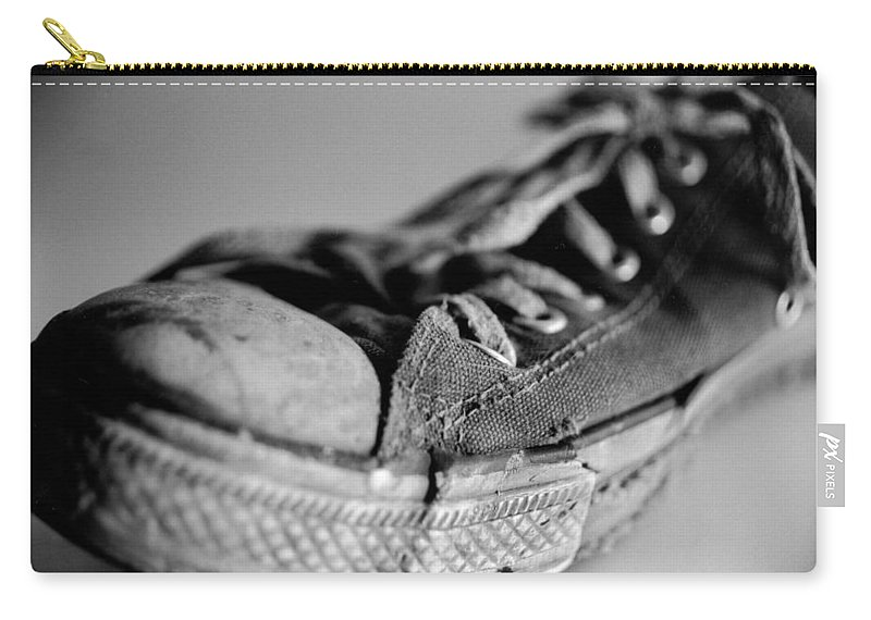 Chuck Taylor Carry-all Pouch featuring the photograph Last Leg by Jeffery Ball
