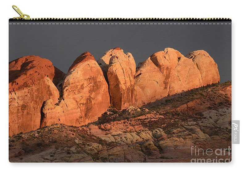 Nevada Carry-all Pouch featuring the photograph Last Light Valley Of Fire by Bob Christopher