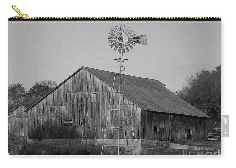 Barn Carry-all Pouch featuring the photograph Laurel Road Barn In Black And White by Brook Steed