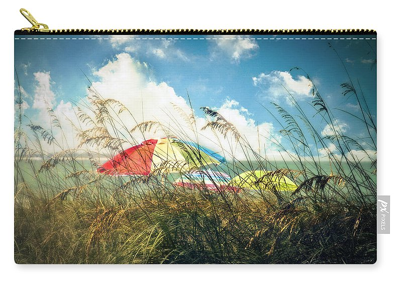 St. Petersburg Carry-all Pouch featuring the photograph Lazy Days Of Summer by Tammy Wetzel