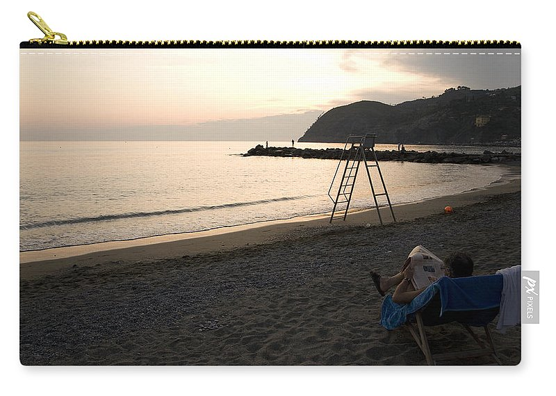 Travel Carry-all Pouch featuring the photograph Levanto Beach by Ian Middleton