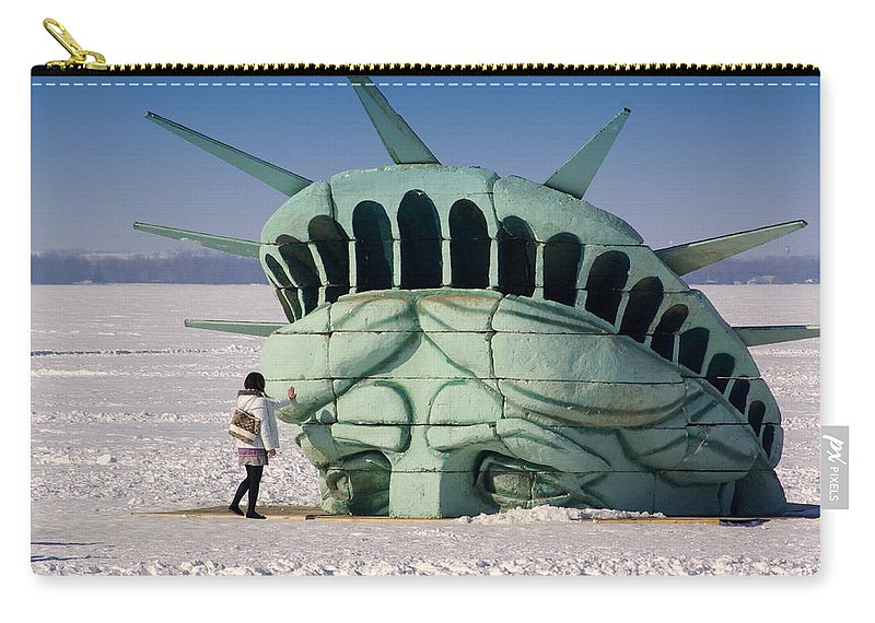 Statue Of Liberty Carry-all Pouch featuring the photograph Liberty by Linda Mishler