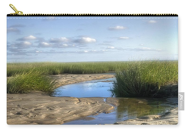 Lieutenant. Island Carry-all Pouch featuring the photograph Lieutenant Island No.1 by Tammy Wetzel