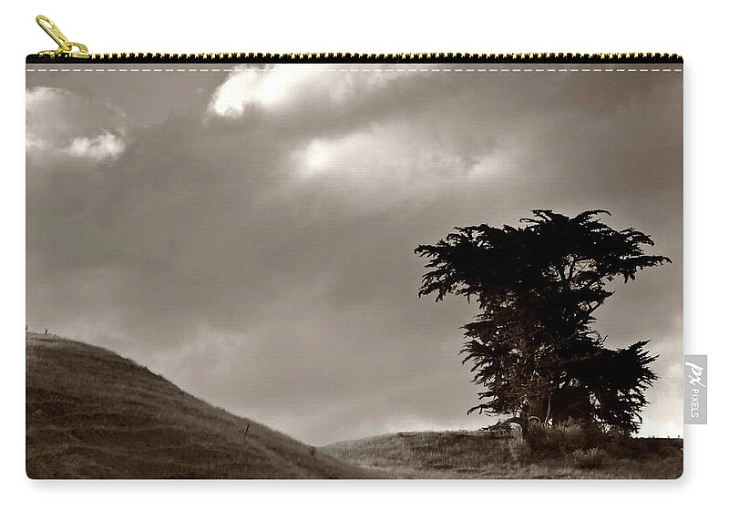 Black And White Carry-all Pouch featuring the digital art Lone Tree On A New Zealand Hillside by Mark Duffy