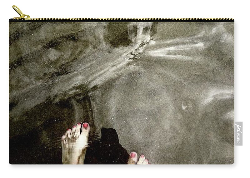 Feet Carry-all Pouch featuring the photograph Looking Glass by Margaret Fronimos