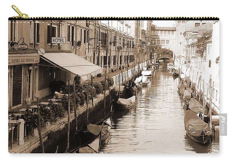 Old Times Carry-all Pouch featuring the photograph Looks Like Old Times by Donna Corless