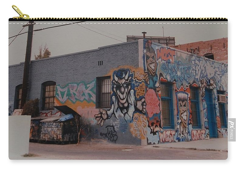 Urban Carry-all Pouch featuring the photograph Los Angeles Urban Art by Rob Hans