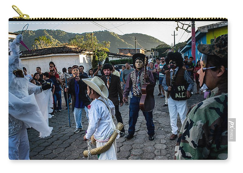 Historiantes Carry-all Pouch featuring the photograph Los Historiantes De Apaneca 7 by Totto Ponce