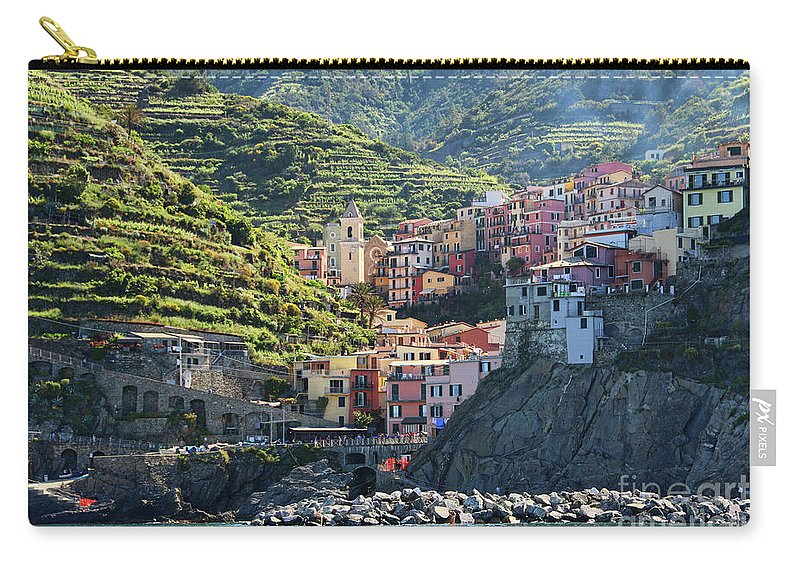 Cinque Terre Carry-all Pouch featuring the photograph Manarola 0562 by Jack Schultz