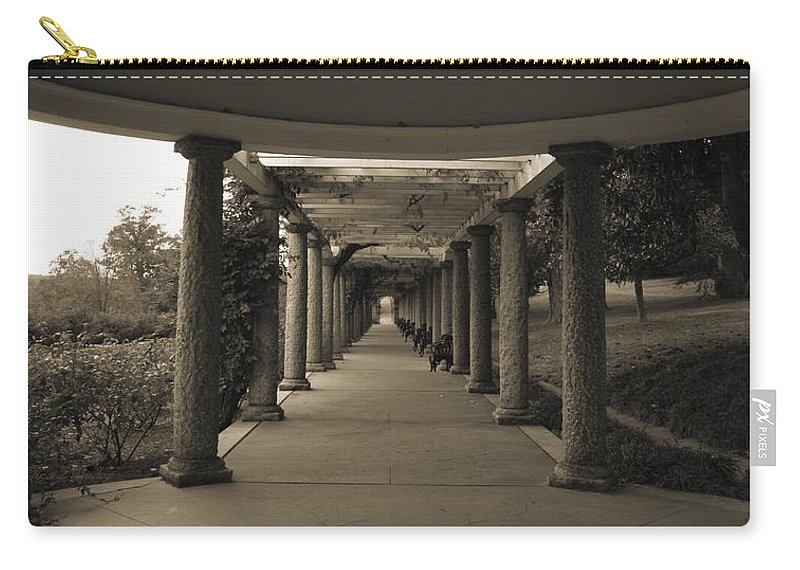 Maymont Carry-all Pouch featuring the photograph Maymont's Italian Garden by Tina Meador