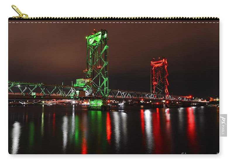 Bridge Carry-all Pouch featuring the photograph Memorial Bridge by Steve Brown