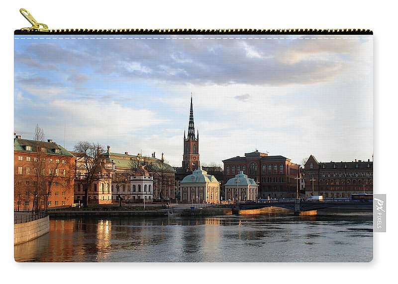 Mirage Carry-all Pouch featuring the photograph Mirage by Ramabhadran Thirupattur