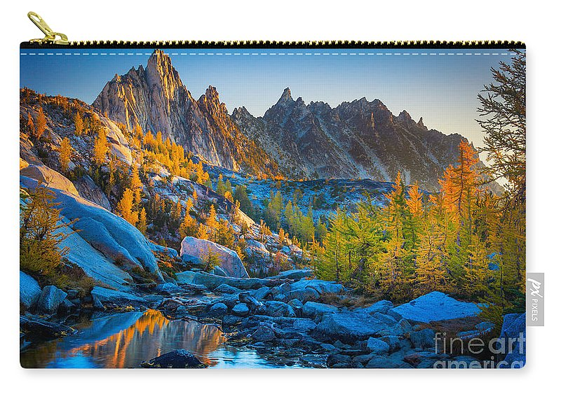 Alpine Lakes Wilderness Carry-all Pouch featuring the photograph Mountainous Paradise by Inge Johnsson