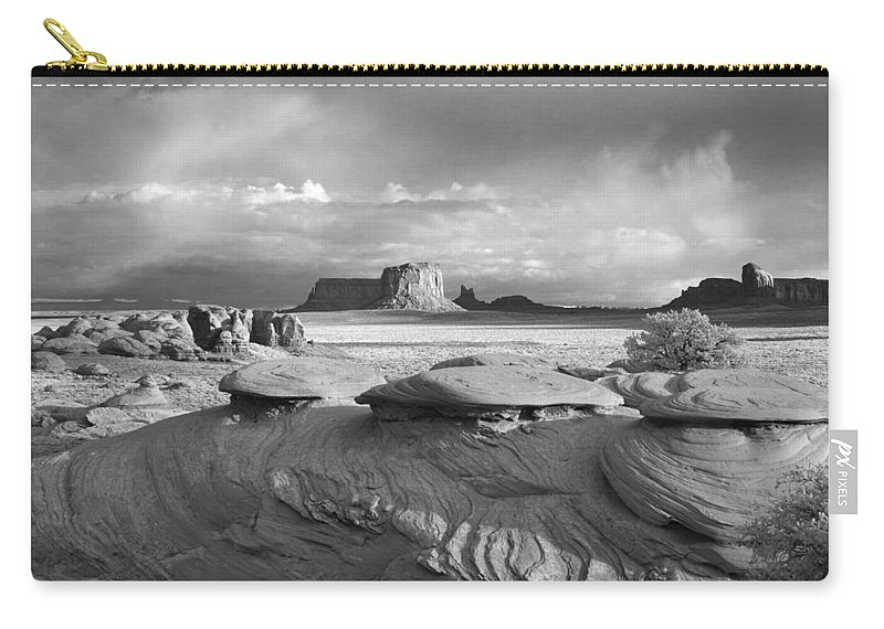 Monument Carry-all Pouch featuring the photograph Mystery Valley Overlook Ir 0550 by Bob Neiman