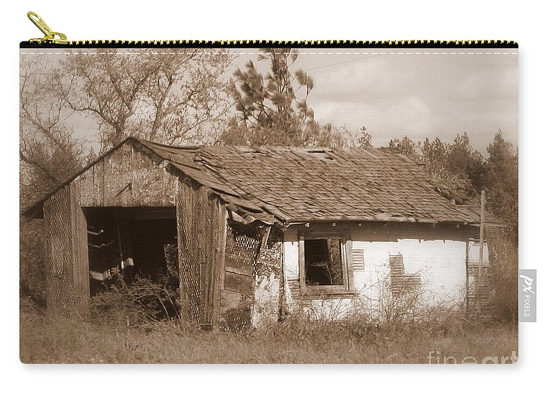 Old Shack Carry-all Pouch featuring the photograph Needs Paint - Soft Focus by Carol Groenen