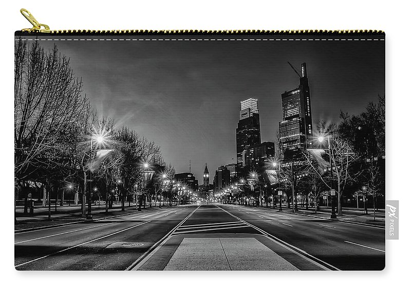 Night Carry-all Pouch featuring the photograph Night Falls On The City - Philadelphia - Black And White by Bill Cannon