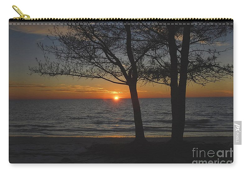 Beach Carry-all Pouch featuring the photograph North Beach Sunset by David Lee Thompson