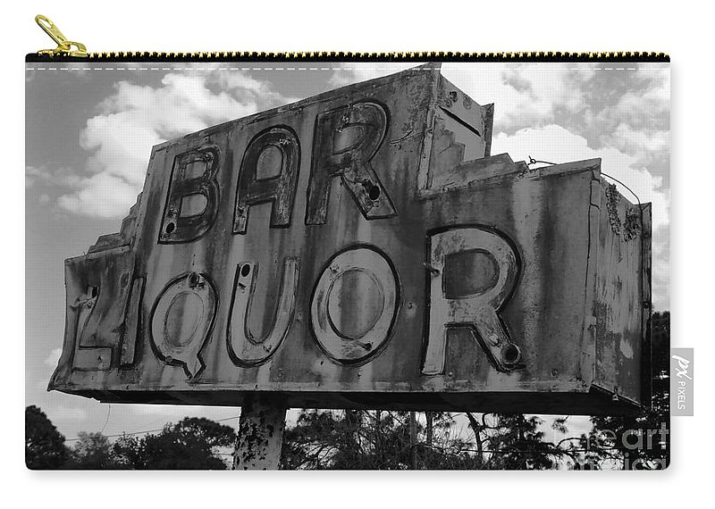 Bar Carry-all Pouch featuring the photograph Oasis by David Lee Thompson
