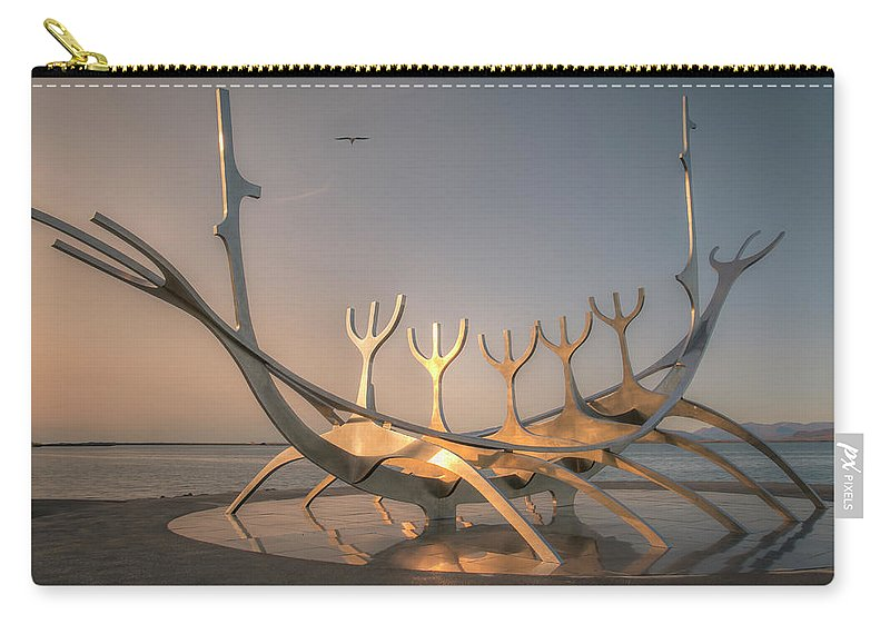 Sun Voyager Carry-all Pouch featuring the photograph Ode To The Sun 0635 by Kristina Rinell