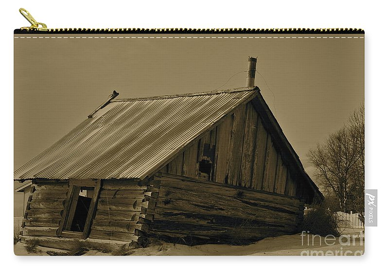 Log Home Carry-all Pouch featuring the photograph Old Age by Rick Monyahan