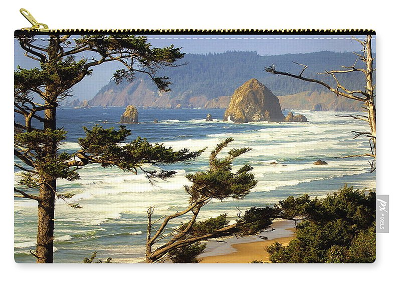 Ocean Carry-all Pouch featuring the photograph Oregon Coast 15 by Marty Koch