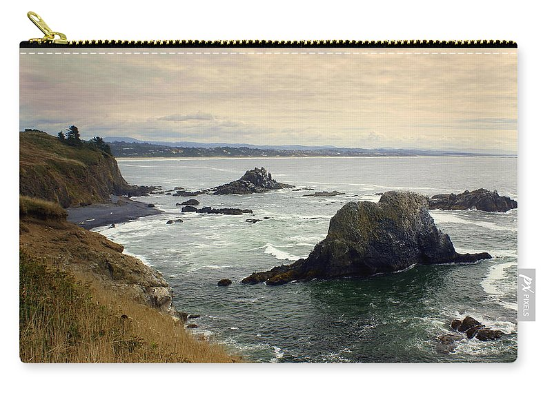 Ocean Carry-all Pouch featuring the photograph Oregon Coast 17 by Marty Koch