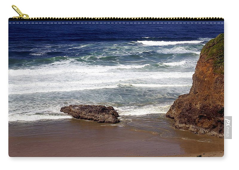 Ocean Carry-all Pouch featuring the photograph Oregon Coast 6 by Marty Koch