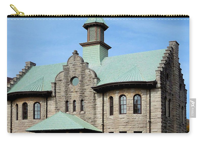 Palenville House Carry-all Pouch featuring the painting Palenville House 5 by Jeelan Clark