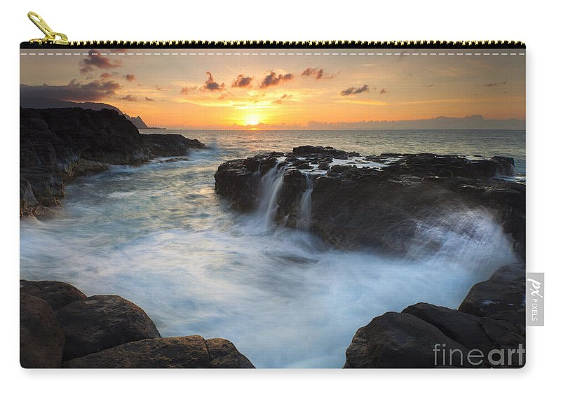 Na Pali Carry-all Pouch featuring the photograph Paradise Sunset Splash by Mike Dawson
