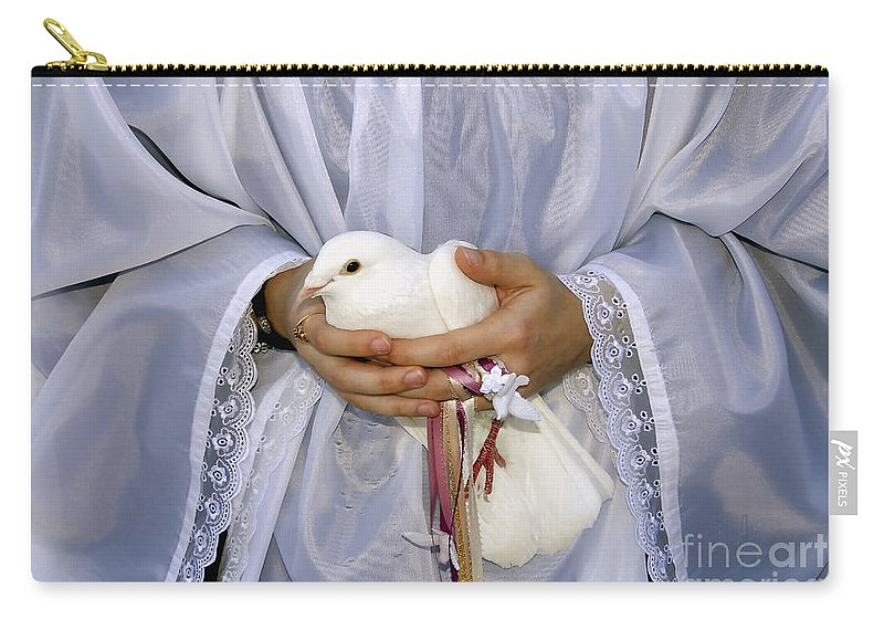 Peace Dove Carry-all Pouch featuring the photograph Peace Dove by David Lee Thompson