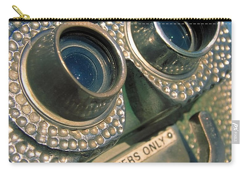 View Carry-all Pouch featuring the photograph Peep Show by Skip Hunt
