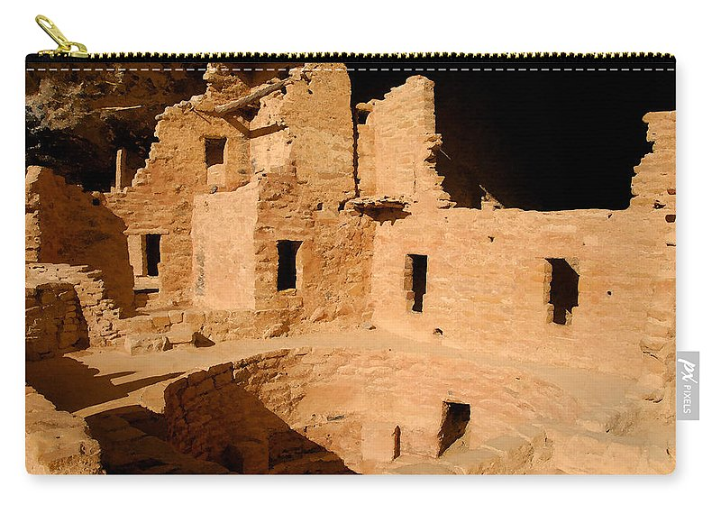 Mesa Verde National Park Carry-all Pouch featuring the painting Place Of The Old Ones by David Lee Thompson