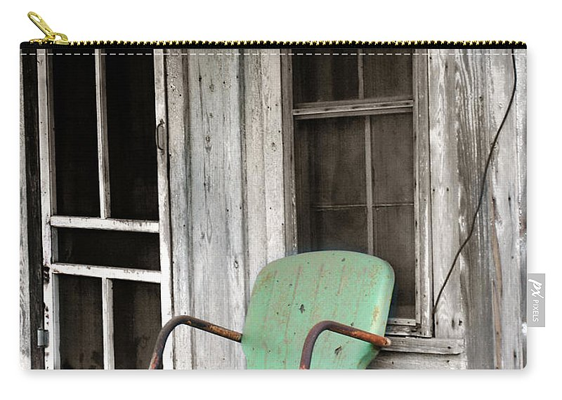Americana Carry-all Pouch featuring the photograph Plenty of Time by Marilyn Hunt