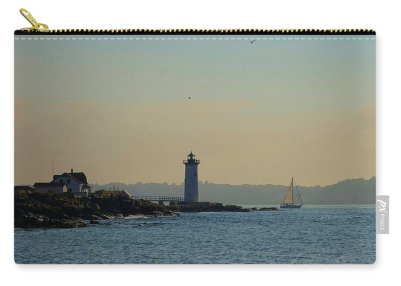 Portsmouth Carry-all Pouch featuring the photograph Portsmouth Harbor Lighthouse by Red Cross
