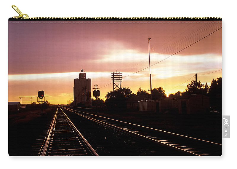 Potter Carry-all Pouch featuring the photograph Potter Tracks by Jerry McElroy