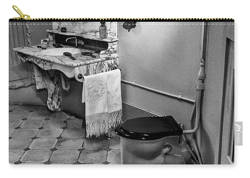 Barcelona Carry-all Pouch featuring the photograph Powder Room by Gary Lengyel