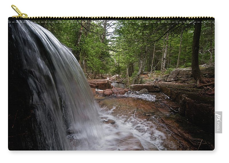water Falls Carry-all Pouch featuring the photograph Profile Of The Falls by Paul Mangold