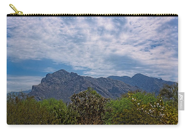 Myhaver Photography Carry-all Pouch featuring the photograph Pusch Ridge Morning H26 by Mark Myhaver