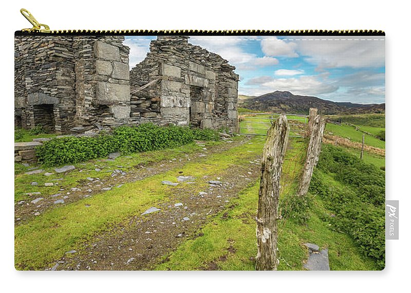 Cottages Carry-all Pouch featuring the photograph Quarry Cottage by Adrian Evans