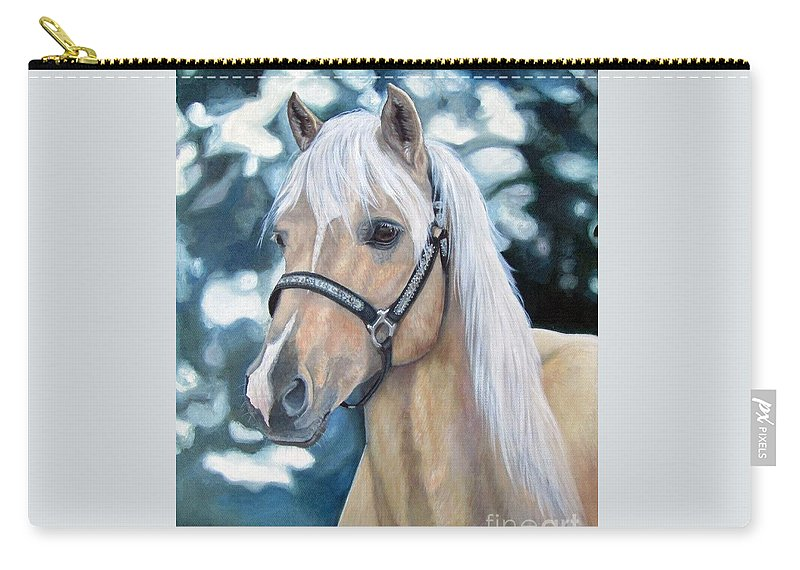 Welch Cob Carry-all Pouch featuring the painting Queenie by Heidi Parmelee-Pratt