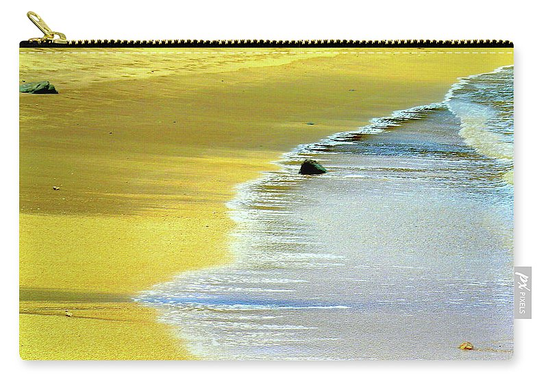 Hawaii Beach Carry-all Pouch featuring the photograph Quiet Time by James Temple