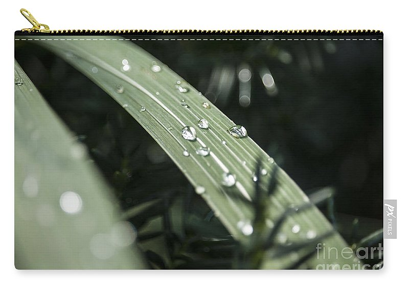 Abstract Carry-all Pouch featuring the photograph Raindrops by Todd Blanchard