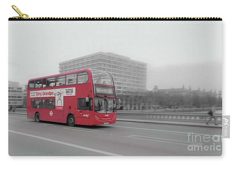 Buss Carry-all Pouch featuring the photograph Red Buss In London by Arild Lilleboe