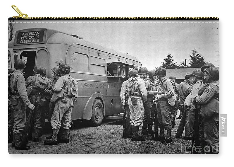 1942 Carry-all Pouch featuring the photograph Red Cross: Clubmobile by Granger