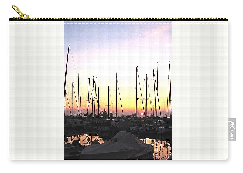 Sea Carry-all Pouch featuring the photograph Resting Place by Dragica Micki Fortuna