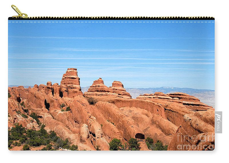 Utah Carry-all Pouch featuring the photograph Rocksky by David Lee Thompson